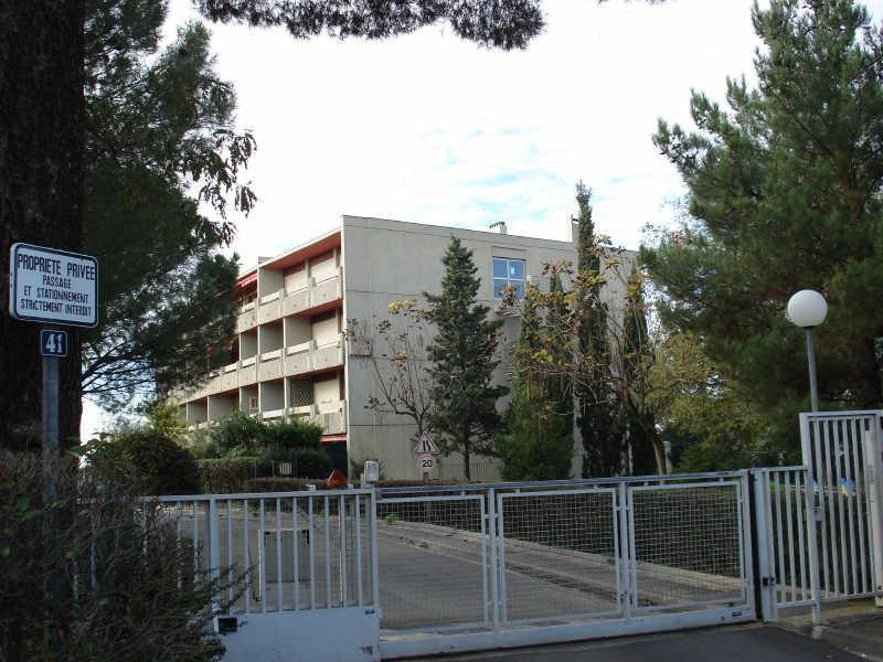 Location appartement type 2 marseille 13012 for Garage a louer marseille 13012